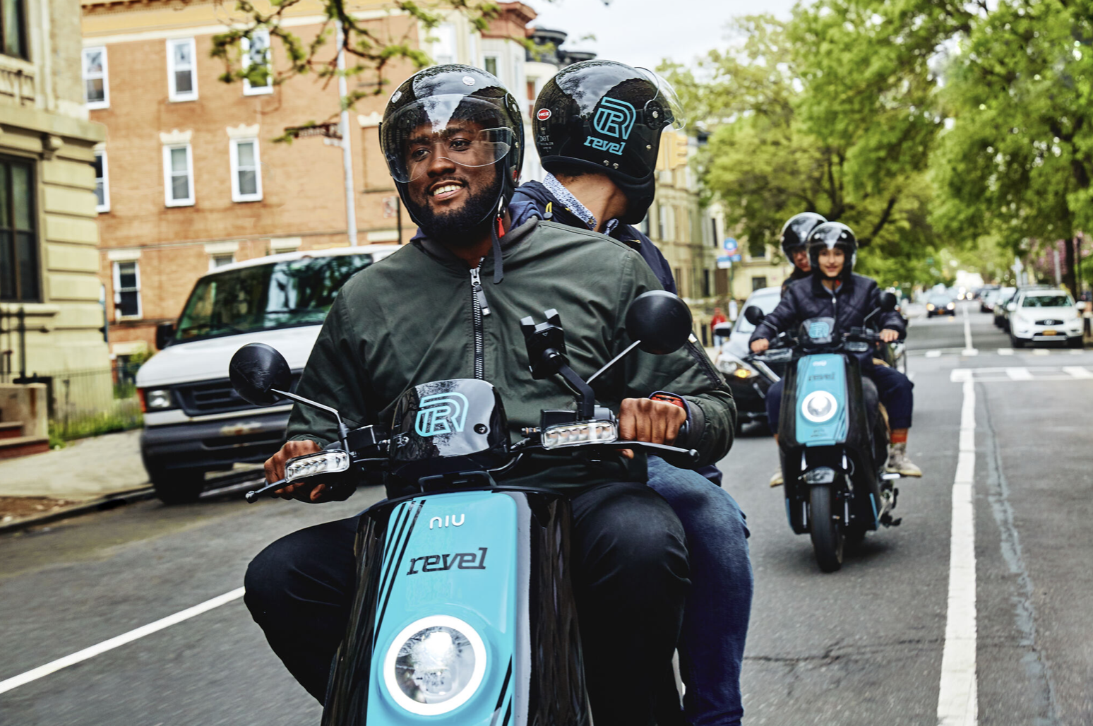 Goodbye, Scooter-Sharing. Hello Mopeds