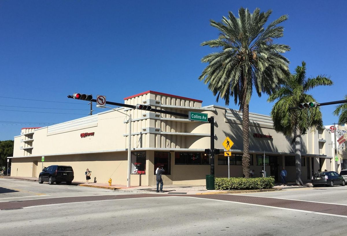miami beach could close lane of collins avenue for social