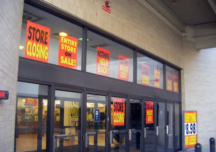 80,000 Stores Doomed To Close As E-Commerce Spikes Further