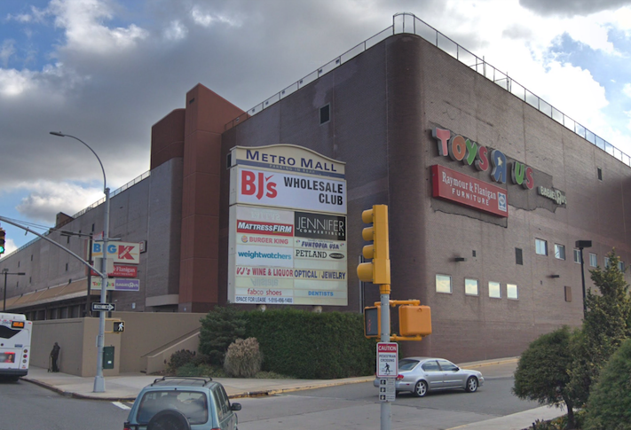 The Nature Of The Mall Is Changing As Simon Brookfield Eye Converting Anchors To Industrial