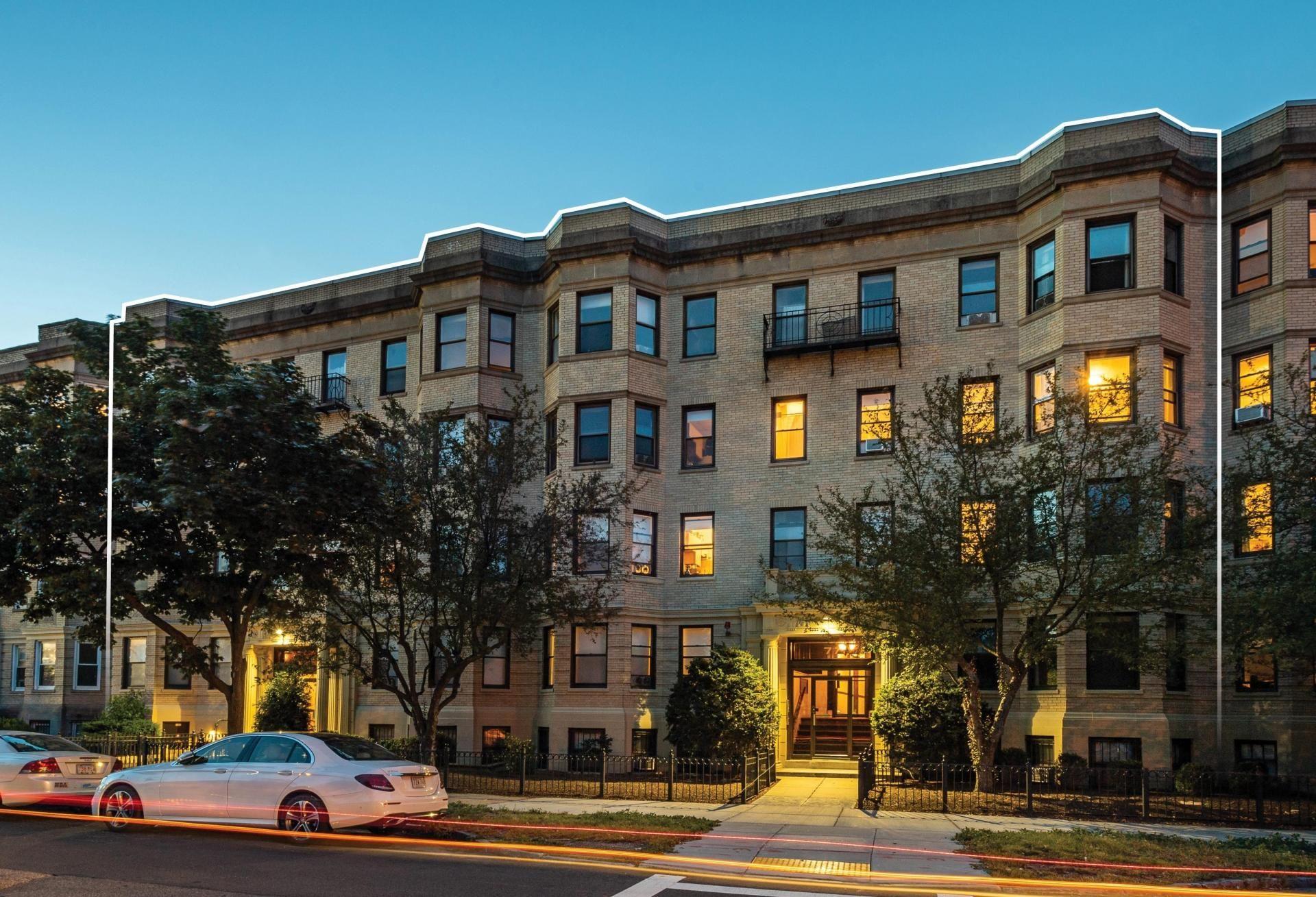Davis Cos., Copley Group JV Acquires Fenway Apartment Complex