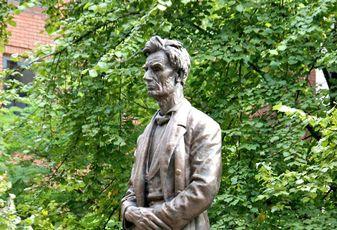 Abraham Lincoln statue in Lincoln Square, Manchester