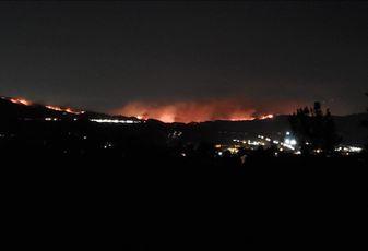A view of the Saddleridge Fire from Santa Clarita