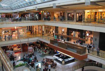 Houston Retail Tenants, Landlords Brace For Slower Holiday Shopping Season