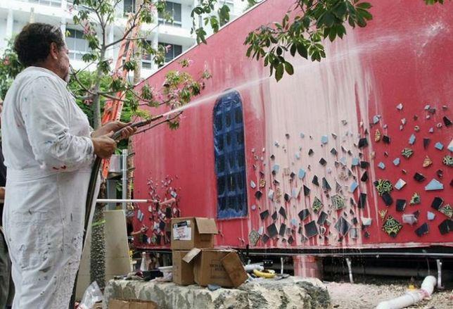 Artist Creates Brickell Facade