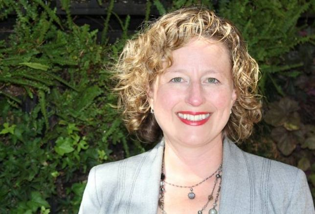 Theresa Jones Senior Managing Director, Hackman Capital Partners