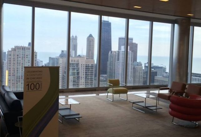353 N Clark Sells For $715M