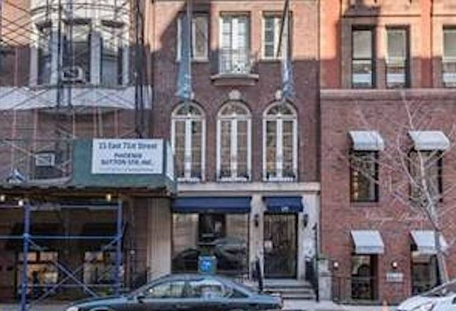 Mary-Kate and Ashley Olsen to Open Flagship in NYC