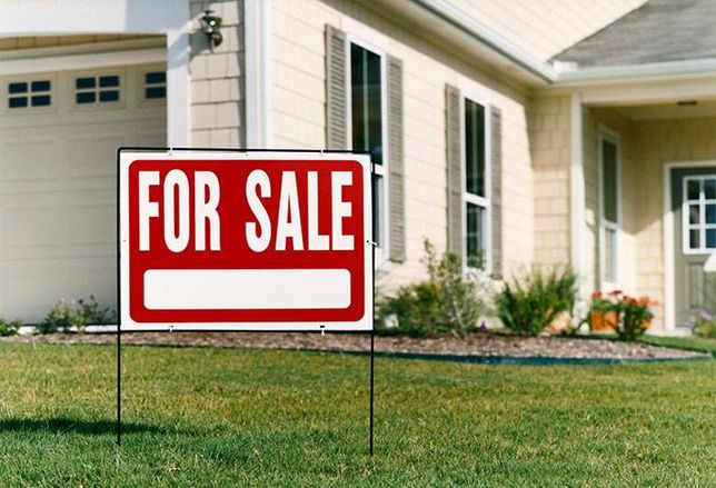 Home Resales Hit Eight-Year High
