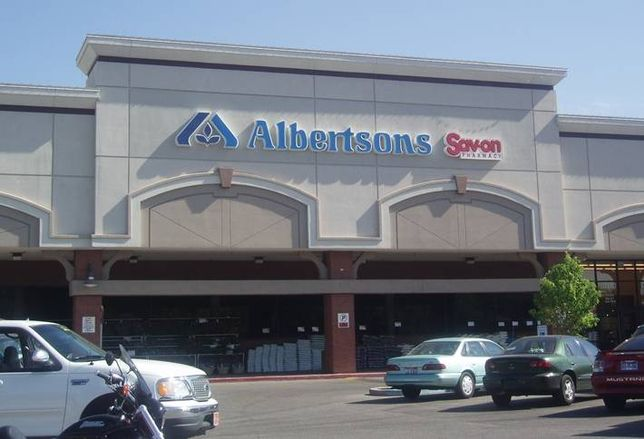 Walmart, Albertsons Join Wave Of Grocers Adding Distribution Centers As Small As 10K SF