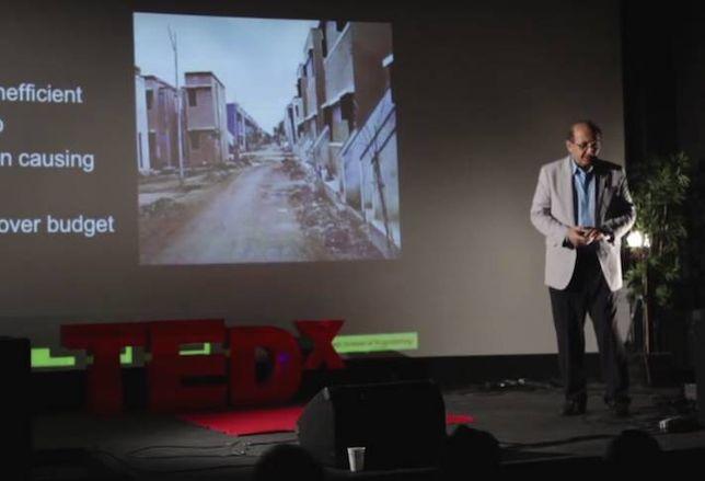 USC Professor Creates Robots to 3D Print Buildings