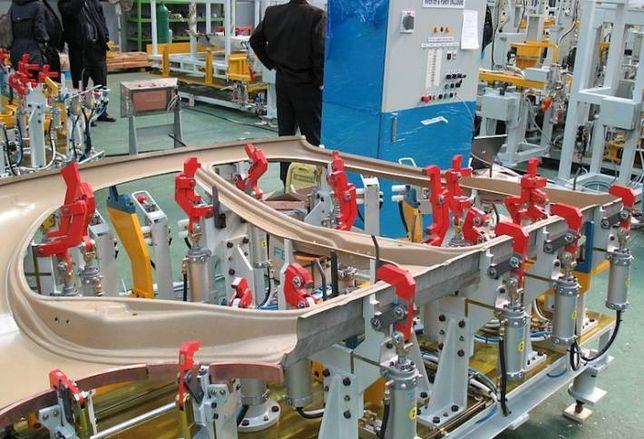 US Manufacturing Stabilizes, Construction Spending Surges