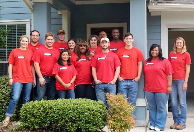 McCarthy Volunteers for Casa De Esperanza