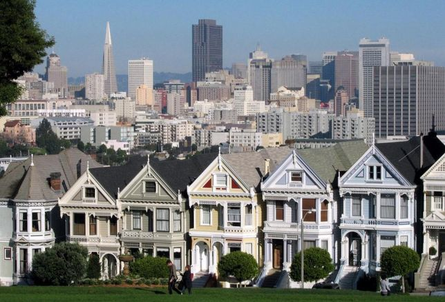 San Francisco painted ladies skyline credit: Samuel Wantman