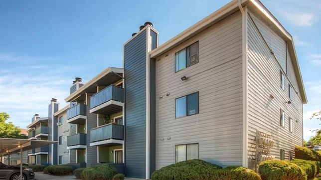 Steadfast Buys Englewood Apartments For $32M