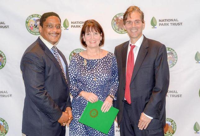3M's Government Markets' Rob Council, Rep. Betty McCollum (Minn), Tom Geier