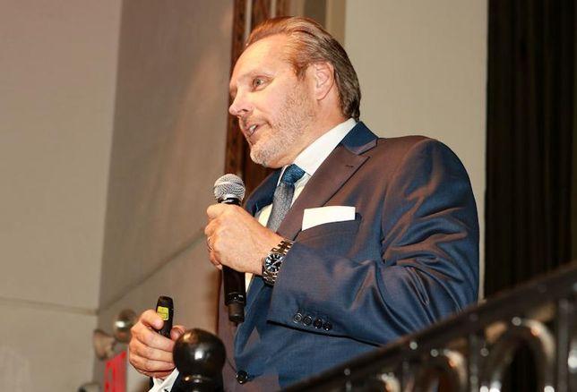 Bob Knakal