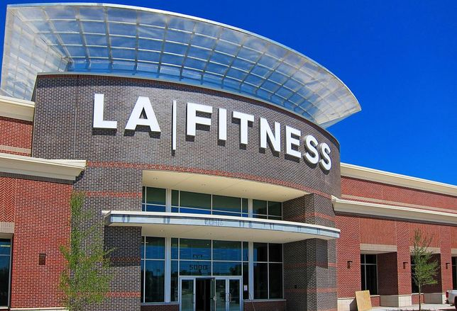 Venture Commercial Real Estate's Investment Sales team has completed the sale of a single-tenant net-leased LA Fitness that anchors Frisco Market Center, a 100-acre mixed use development located on the northwest corner of Main Street and the Dallas North Tollway in Frisco, Texas.