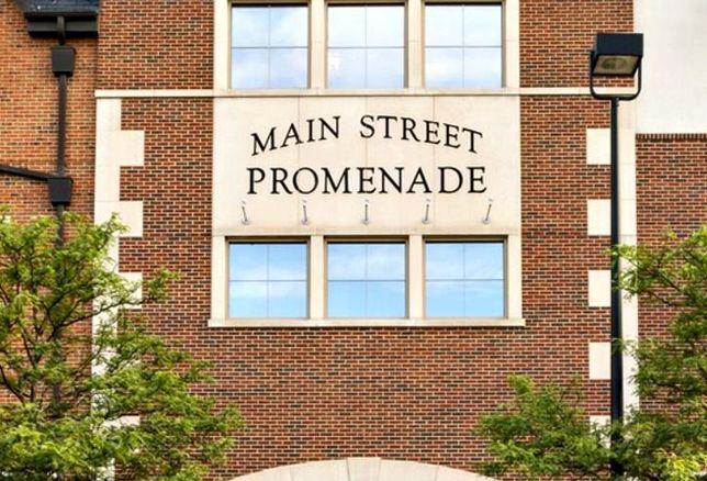 Main Street Promenade, Naperville, IL