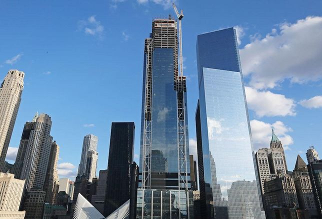 3 World Trade Center under construction next to 4 World Trade Center