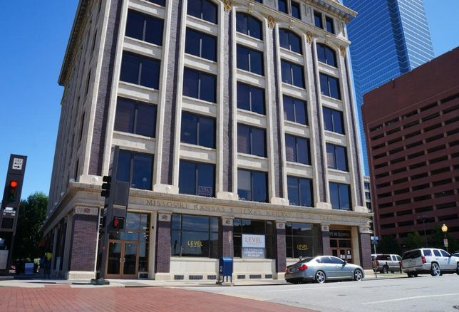 Co-working concept Level Office launched new offerings to better accommodate larger businesses at its Dallas office in the Katy Building at 701 Commerce St. These suite-style offices will be the first co-working offerings of its kind in Dallas.