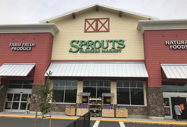 Long-Awaited Lake Highlands Sprouts Opens