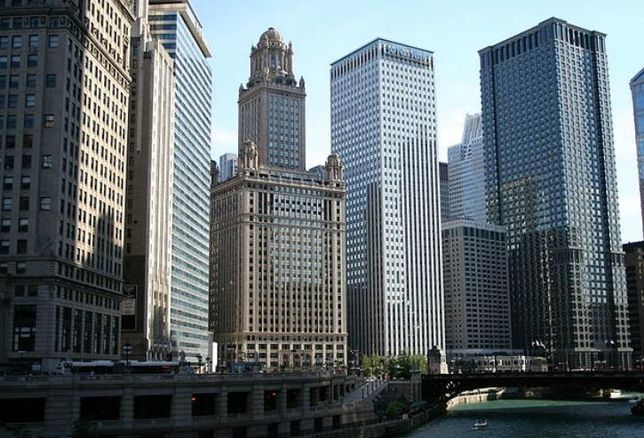 Downtown Chicago, viewed from Wacker Drive