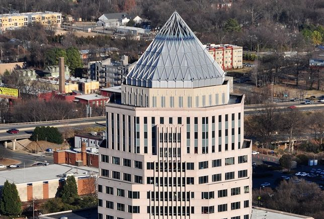 Regus Reups In Updated 525 North Tryon