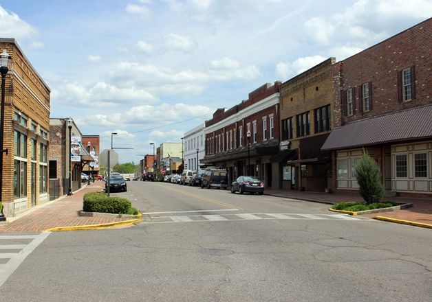 National Retailers Are Abandoning Small Town, USA