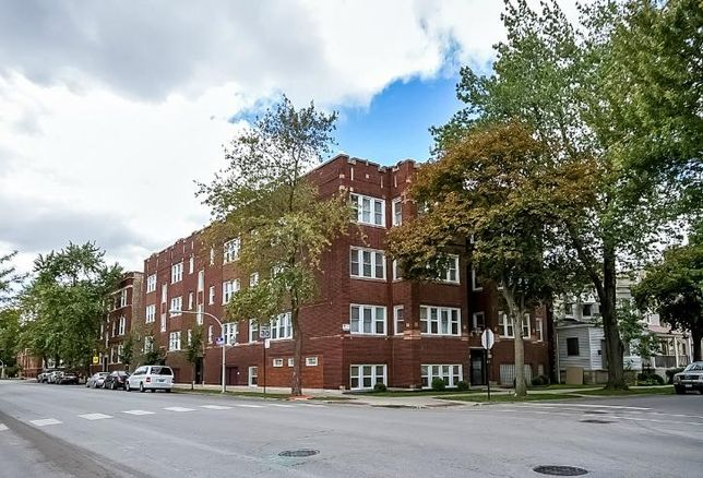 Part of a multifamily portfolio sold by Kiser Group on Chicago's South Side