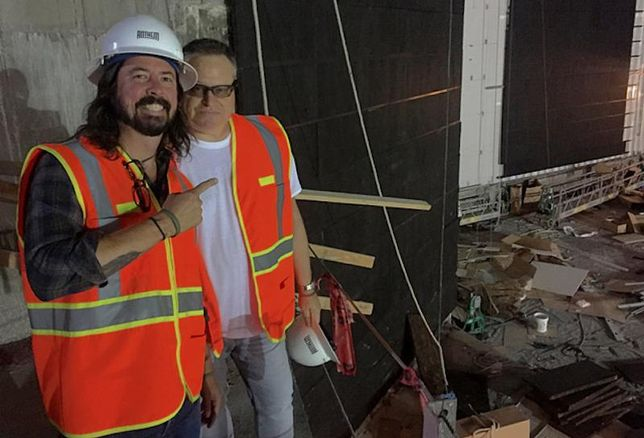 Dave Grohl and Seth Hurwitz Touring The Anthem 1