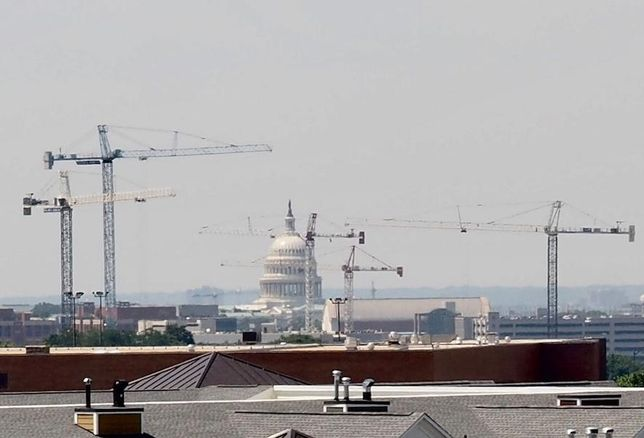 DC Capitol cranes construction development