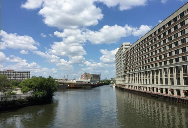 The Chicago River between 600 and 700 West Chicago Avenue