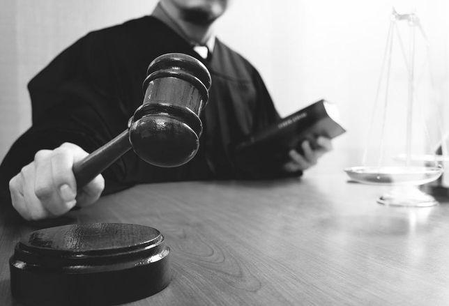 Judge gavel stock DO NOT USE