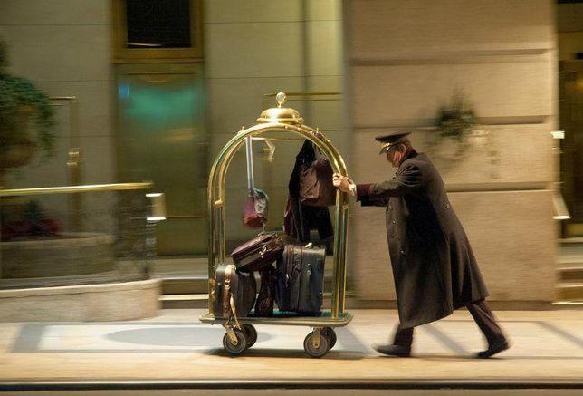 bellhop, hotel, amenities, hotel industry, luxury hotels