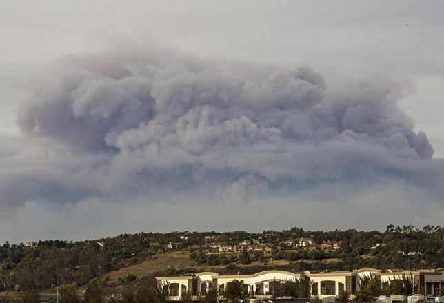 Smoke from the Thomas Fire in Ventura County
