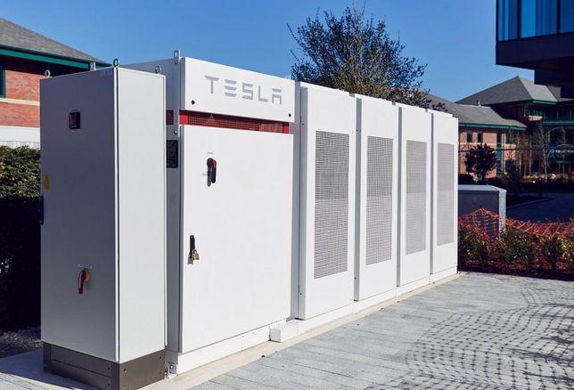 Tesla battery at Manchester Science Park MSP April 2018
