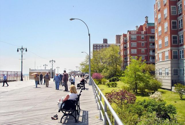 Brighton Beach: A Growing Neighborhood That Hasn't Lost Its Character