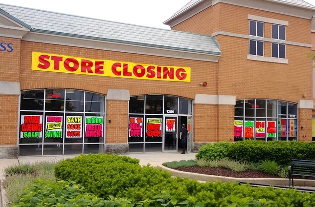 mall woes, store closure, empty storefront, vacant store