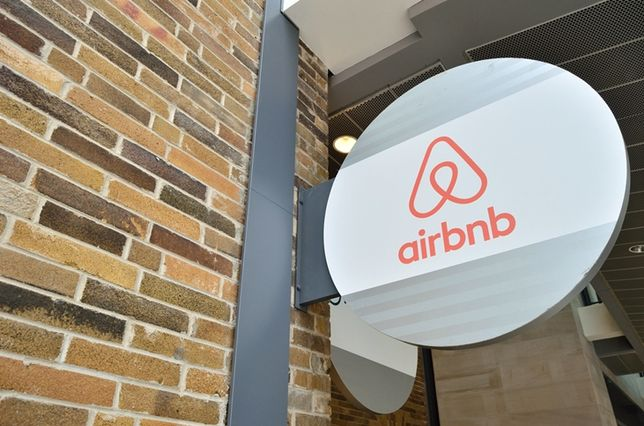 Airbnb And Niido