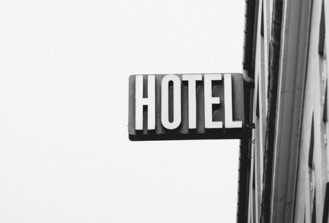 Why Commercial Real Estate Property Managers Should Take A Cue From The Hospitality Industry