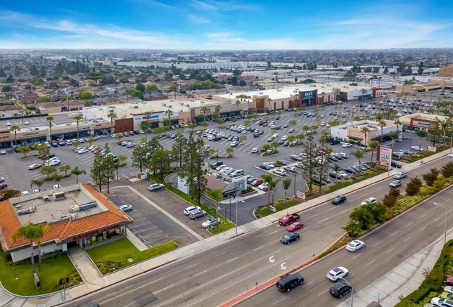Edinger Plaza In Huntington Beach Sells For $65.6M, A Record For Retail This Year