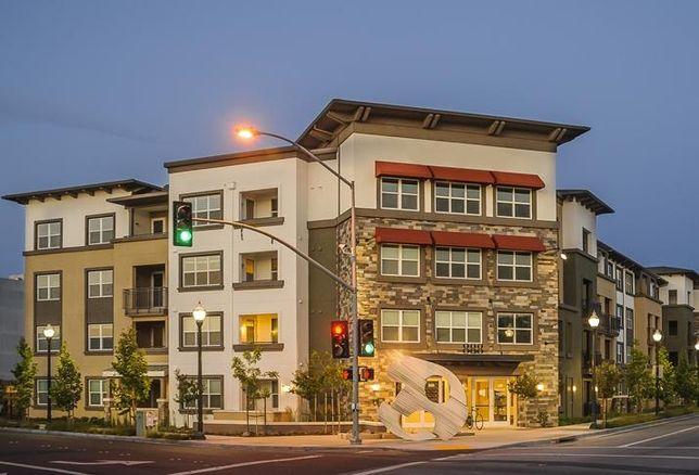 888 San Mateo apartment community in San Mateo