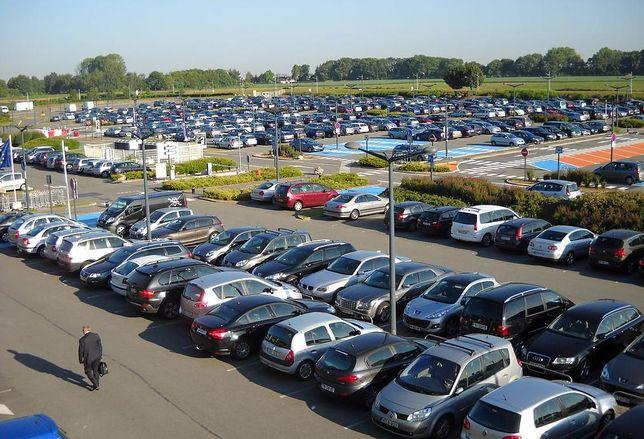 airport car parking
