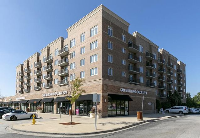 Commons at Town Center in Vernon Hills, IL