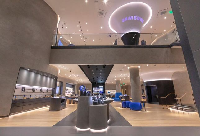 Samsung opens first retail store in Los Angeles at the Americana in Glendale
