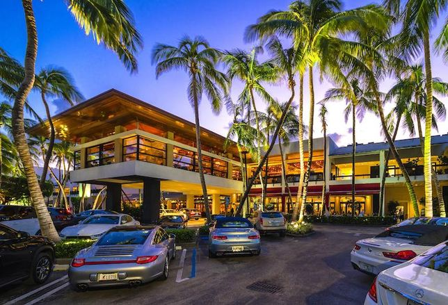 Mall With 100% Occupancy, Tenant Waiting List Borrows $550M For Expansion