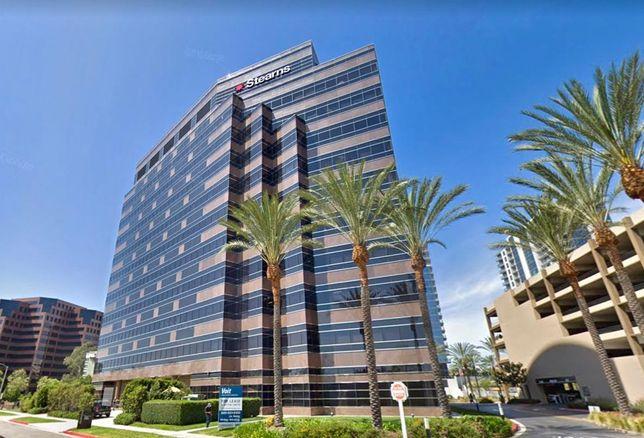 Office building at 4 Hutton Centre in Santa Ana