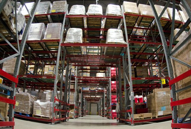 As Retailers Hit 'Critical Time' To Prep For Holiday E-Commerce Deluge, Don't Expect Warehouse Absorption Spike