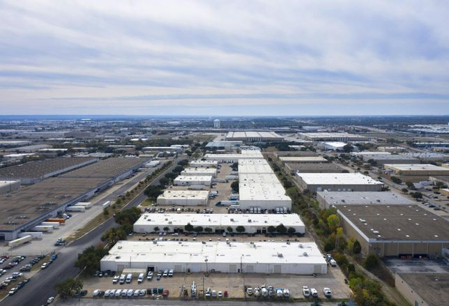 Fort Capital Purchases 455K SF Of Industrial In Arlington